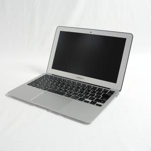 MacBook Air (11-inch・Early 2015) プロセッサ:1.6GHz Intel Core i5/メモリ:4GB/ストレージ:256GB SSD (MJVP2J/A)